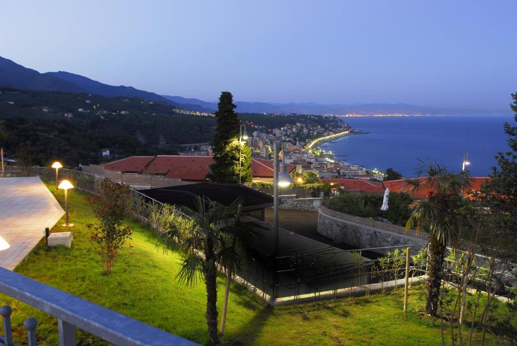 <div data-et-view=NAFQCDCcdXDPdFO:1</div Residence Villa Beuca