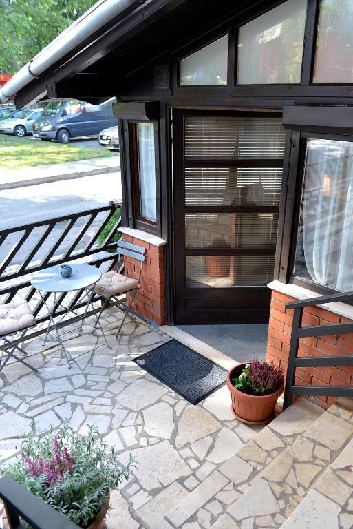 apartman novi grad r servation gratuite sur viamichelin. Black Bedroom Furniture Sets. Home Design Ideas