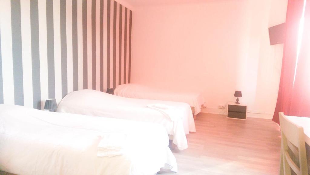hotel le jardin lens reserva tu hotel con viamichelin. Black Bedroom Furniture Sets. Home Design Ideas