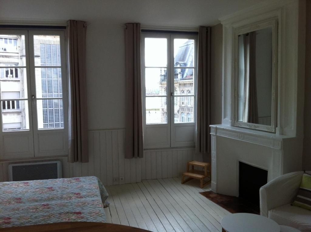 Appartement dieu 3 locations de vacances bordeaux for Appartement bordeaux vacances