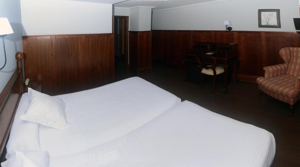 Hotel comillas comillas reserva tu hotel con viamichelin - Apartamentos club condal comillas ...