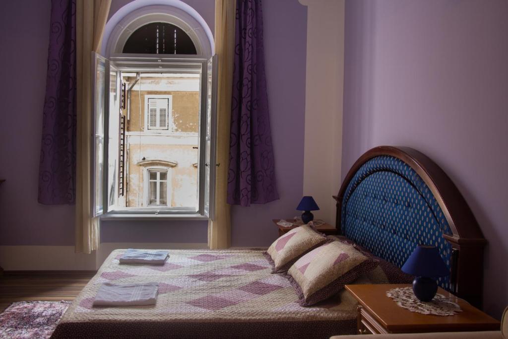 Rooms Cristal Roche