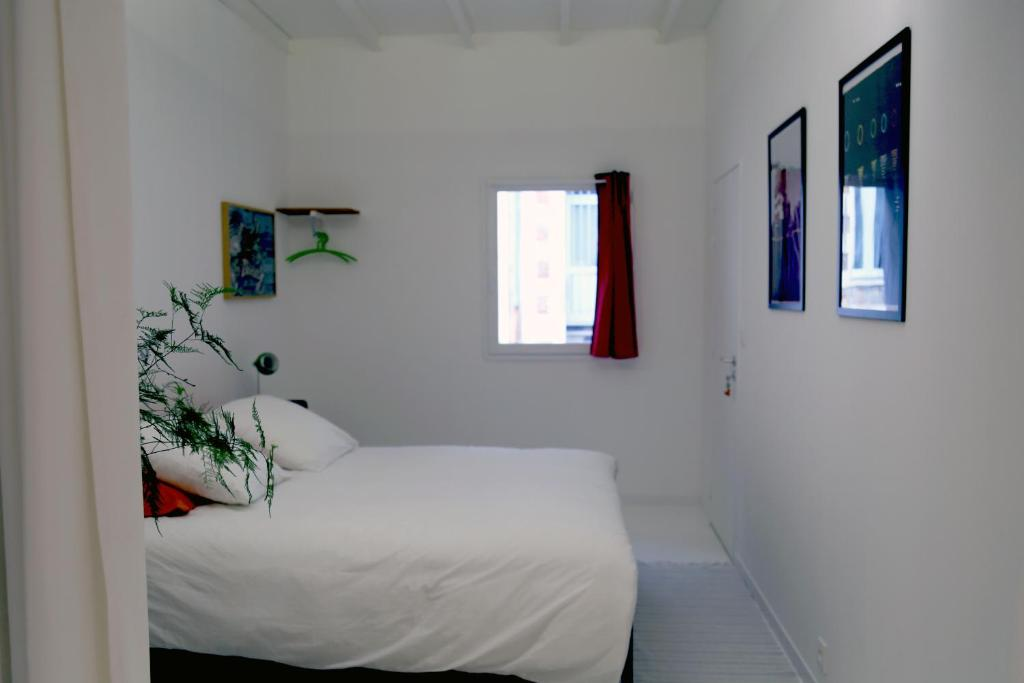 Bed and Breakfast La Chambre Blanche, Nantes, including reviews ...