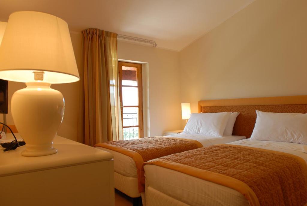 Hotel Con Piscina Esterna Riscaldata Svizzera