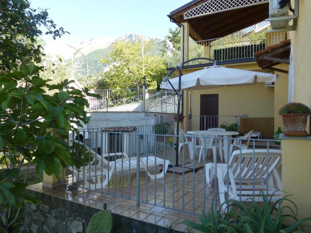 Casa di lascio maratea informationen und buchungen for Creatore di piani casa online