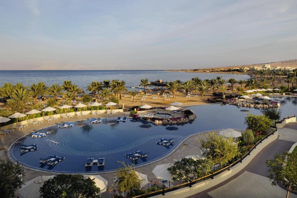 מבט מלמעלה על Mövenpick Resort & Spa Tala Bay Aqaba