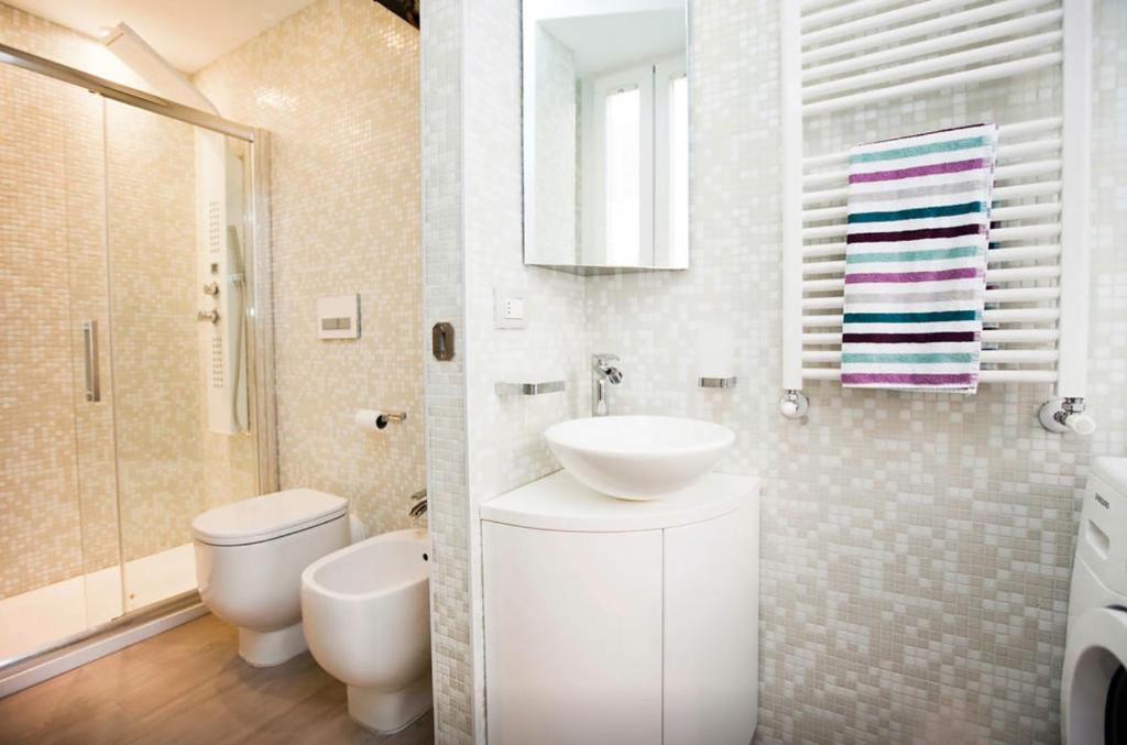 Design apartment milano city center duomo mil n for Design apartment milano city center duomo
