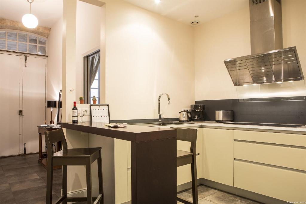 Appartement descazeaux locations de vacances bordeaux - Ustensiles de cuisine bordeaux ...