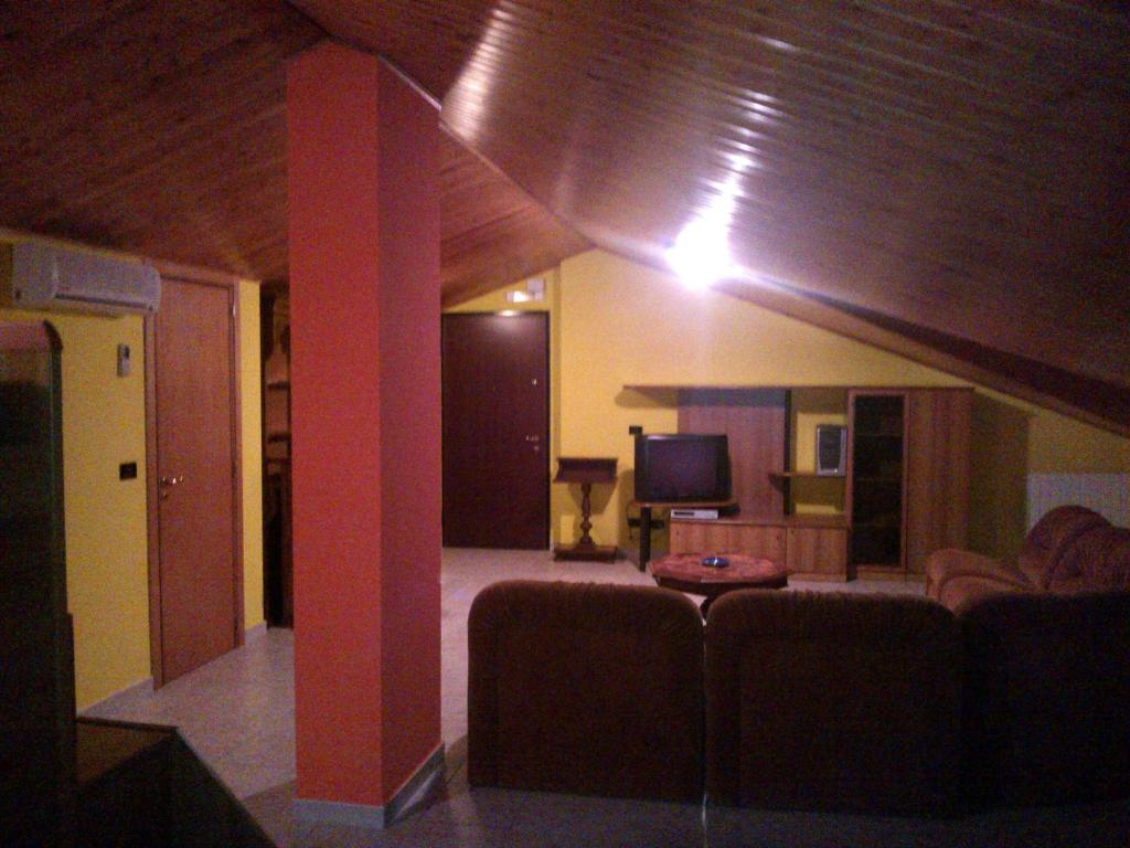 Appartement la mansarda di mariarosa holiday houses rionero in vulture - Kleedkamer voor mansard kamer ...