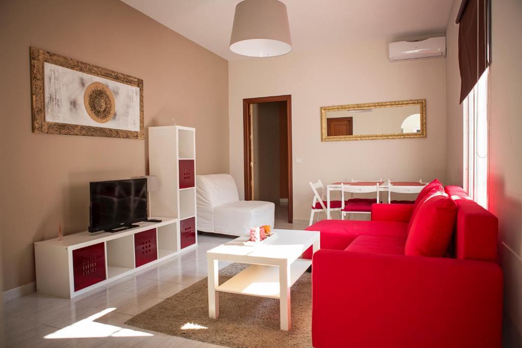 Suncity plaza apartamentos m laga book your hotel with for Apartamentos plaza picasso