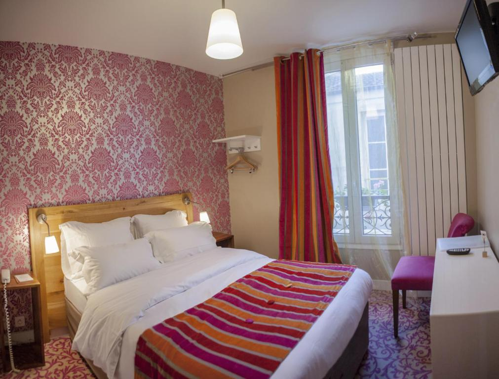 La maison montparnasse montrouge book your hotel with for Maison de la literie montparnasse