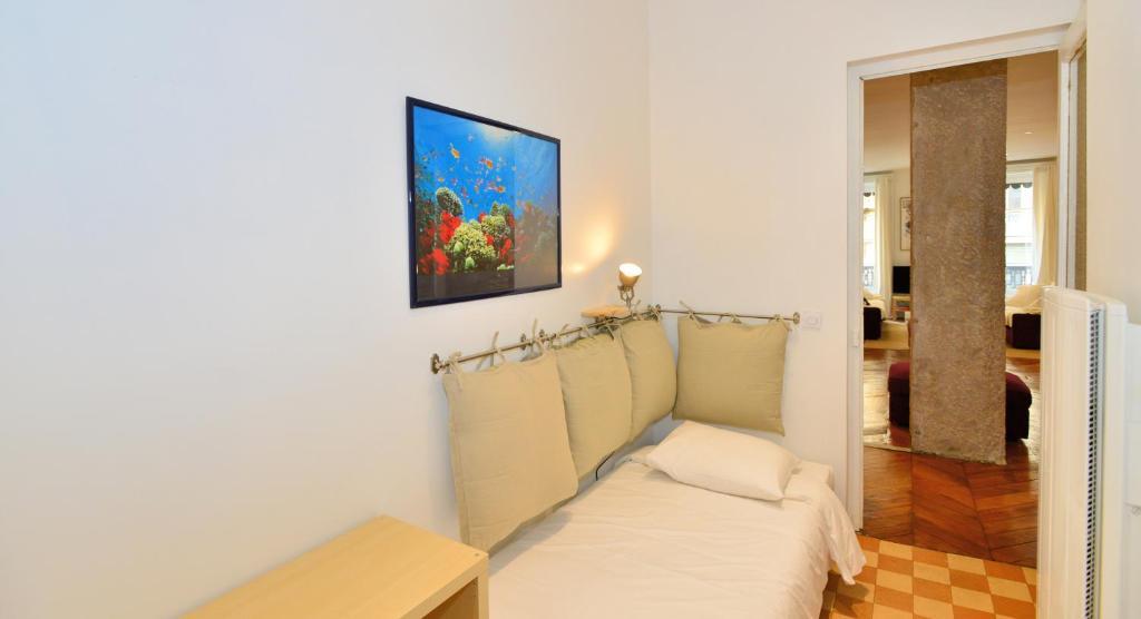 Appartement appart 39 constantine appartement lyon dans for Appart hotel dans le 95