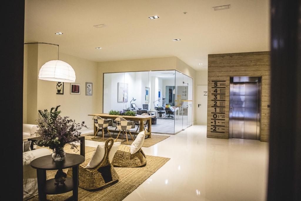 Apartamentos barbara 3 alicante reserva tu hotel con for Hoteles familiares alicante