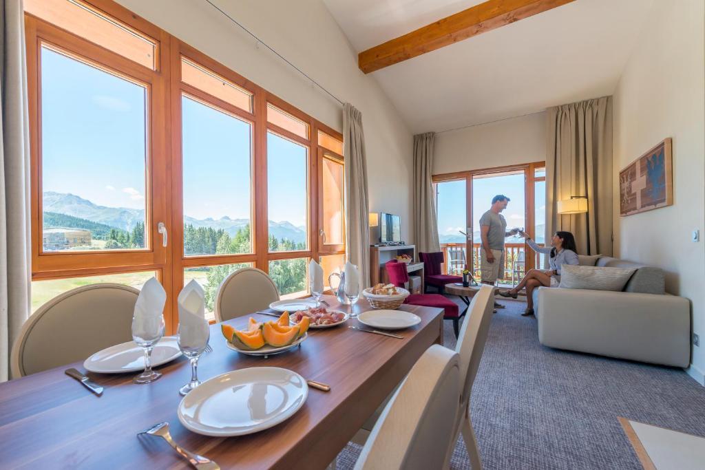 Appart 39 hotel odalys prestige eden arc 1800 france for Appart hotel odalys