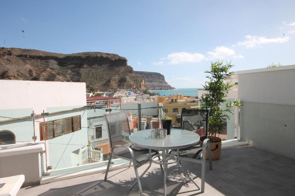 Apartment suits mogan puerto de mog n spain - Marina apartments puerto de mogan ...