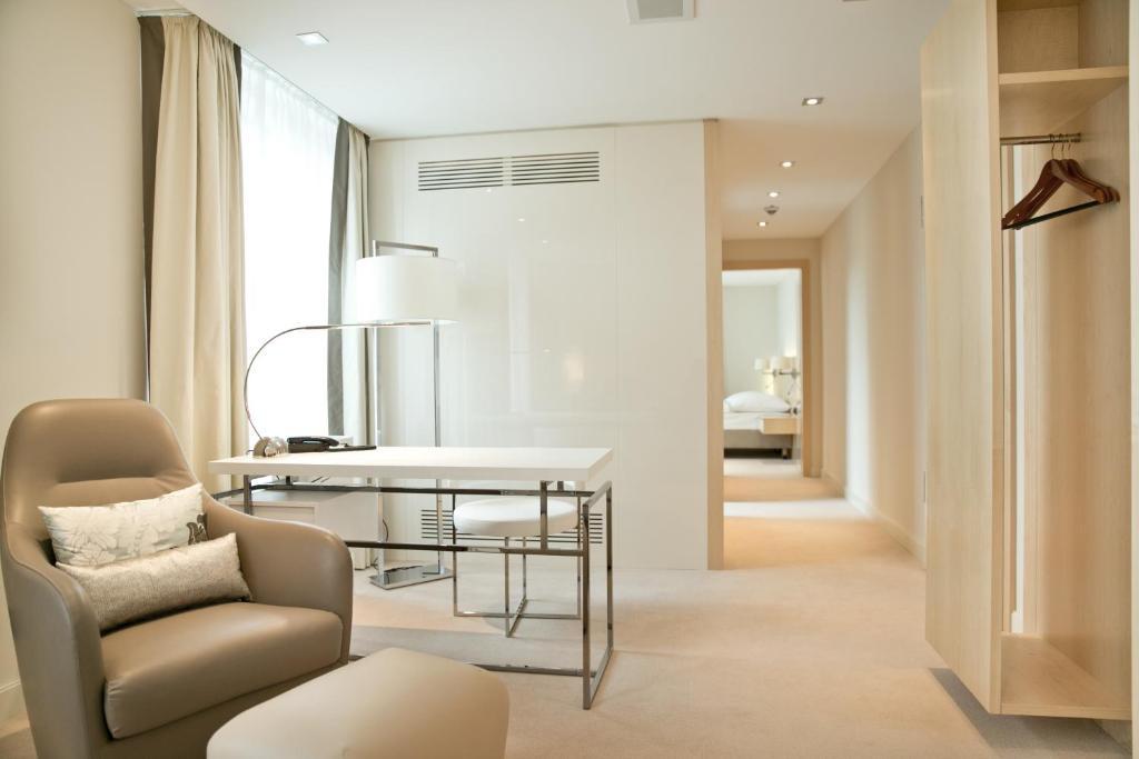 tagungshotel gro e ledder wermelskirchen informationen. Black Bedroom Furniture Sets. Home Design Ideas