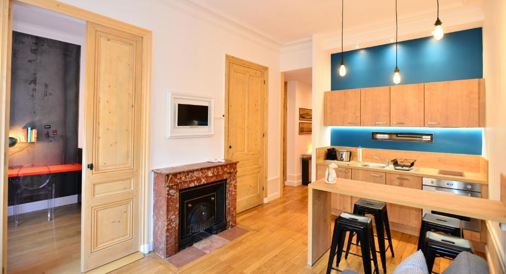 Appartement appart 39 pasteur locations de vacances lyon - Ustensiles de cuisine lyon ...