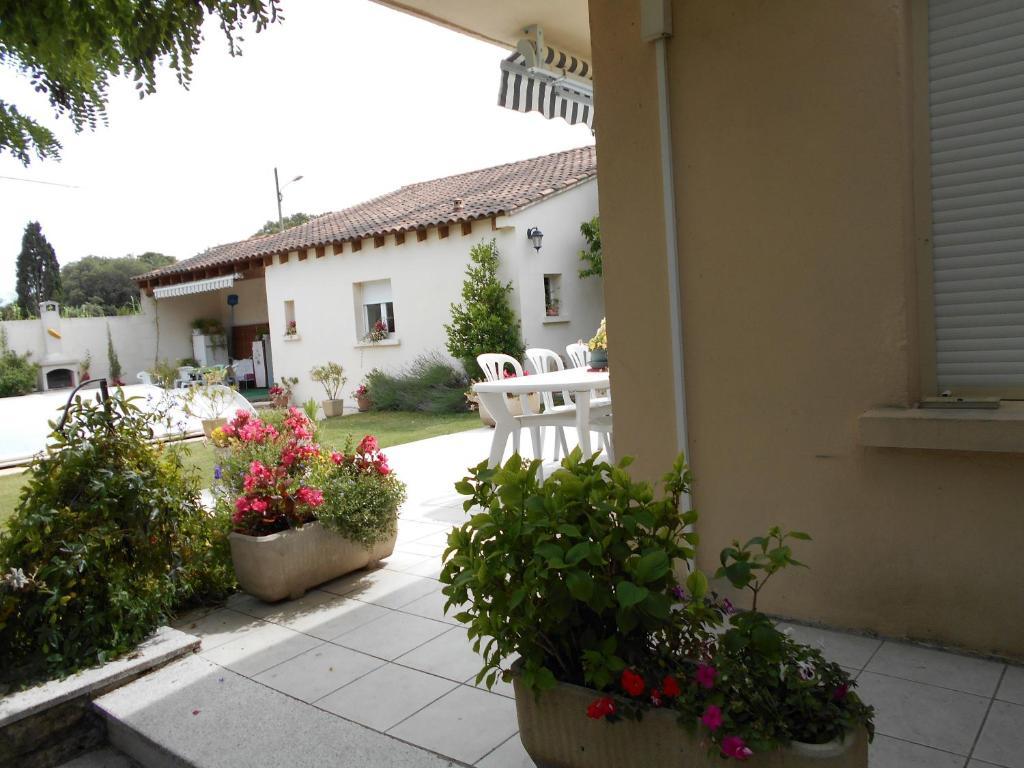 Chambres d 39 h tes les tilleuls b b chambres d 39 h tes orange dans le vaucluse 84 for Chambre dhotes orange vaucluse