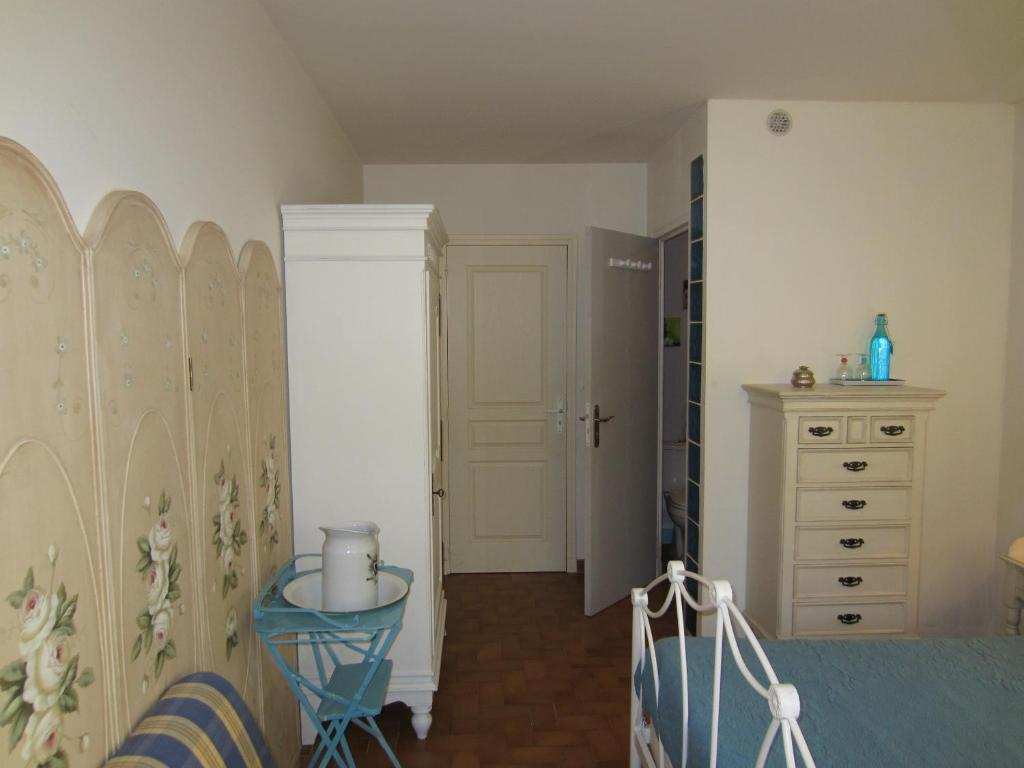 Chambre d 39 h tes bleu or r servation gratuite sur viamichelin for Chambre de commerce vaucluse