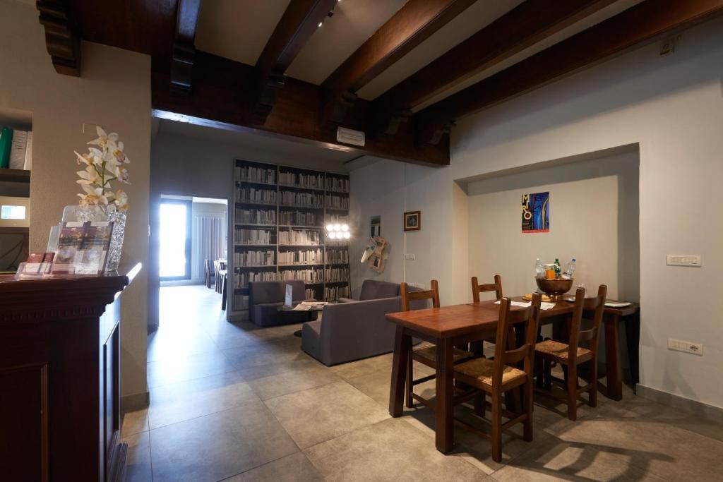 Hotel dei gonzaga mantova prenotazione on line for Gonzaga arredi