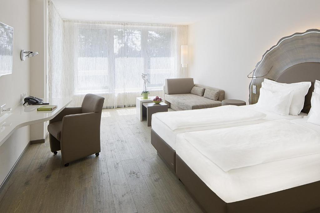 taome feng shui stadthotel breisgau emmendingen book your hotel with viamichelin. Black Bedroom Furniture Sets. Home Design Ideas