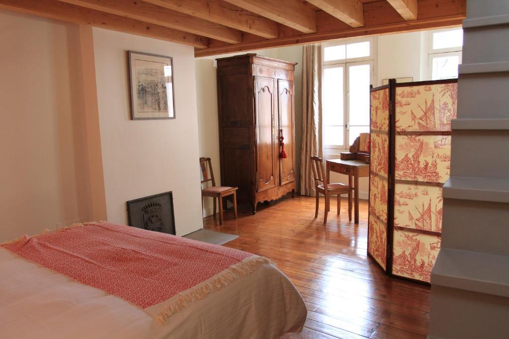 Chambres d 39 h tes la maison des vignes chambres d 39 h tes for Chambre hote bordeaux