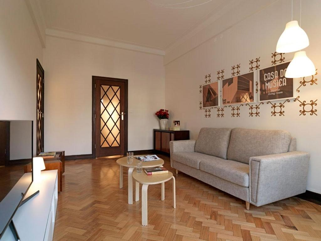 chambres d 39 h tes uporto house chambres d 39 h tes porto portugal. Black Bedroom Furniture Sets. Home Design Ideas