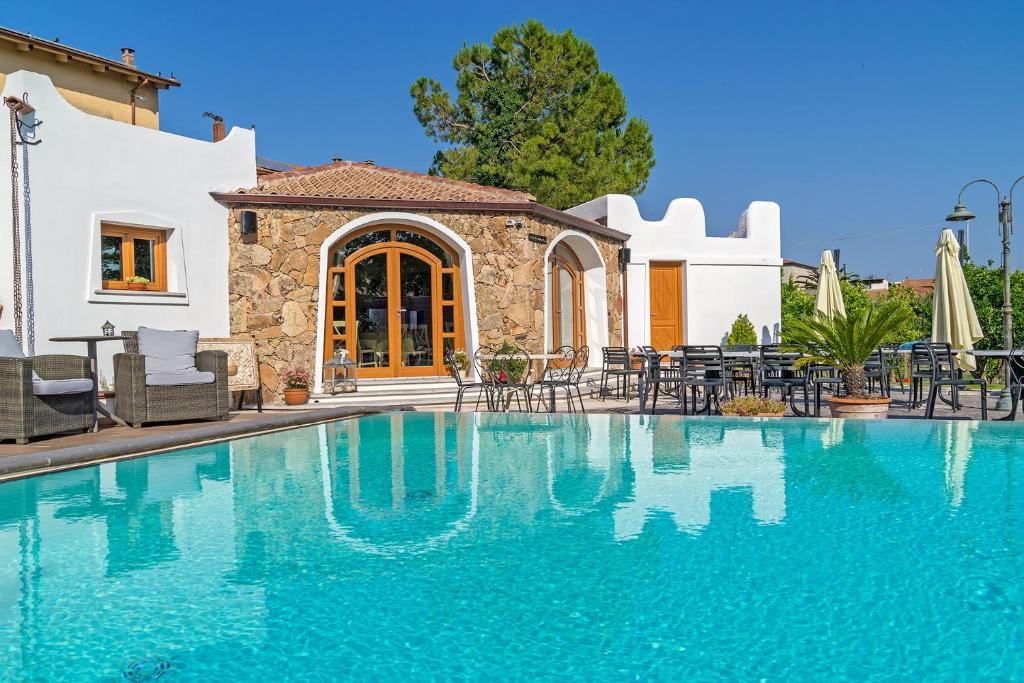 Il giardino degli aranci thiesi online booking - Hotel giardino degli aranci ...