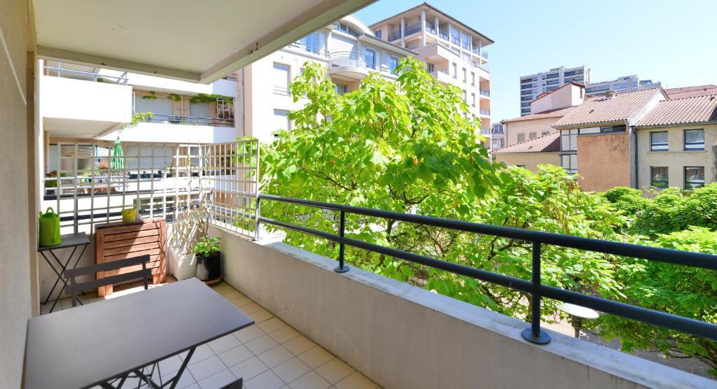 Appartement appart 39 say appartement lyon dans le rh ne for Appart hotel dans le 95