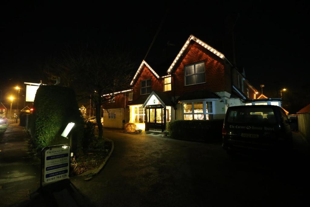 The Corner House Hotel Horley