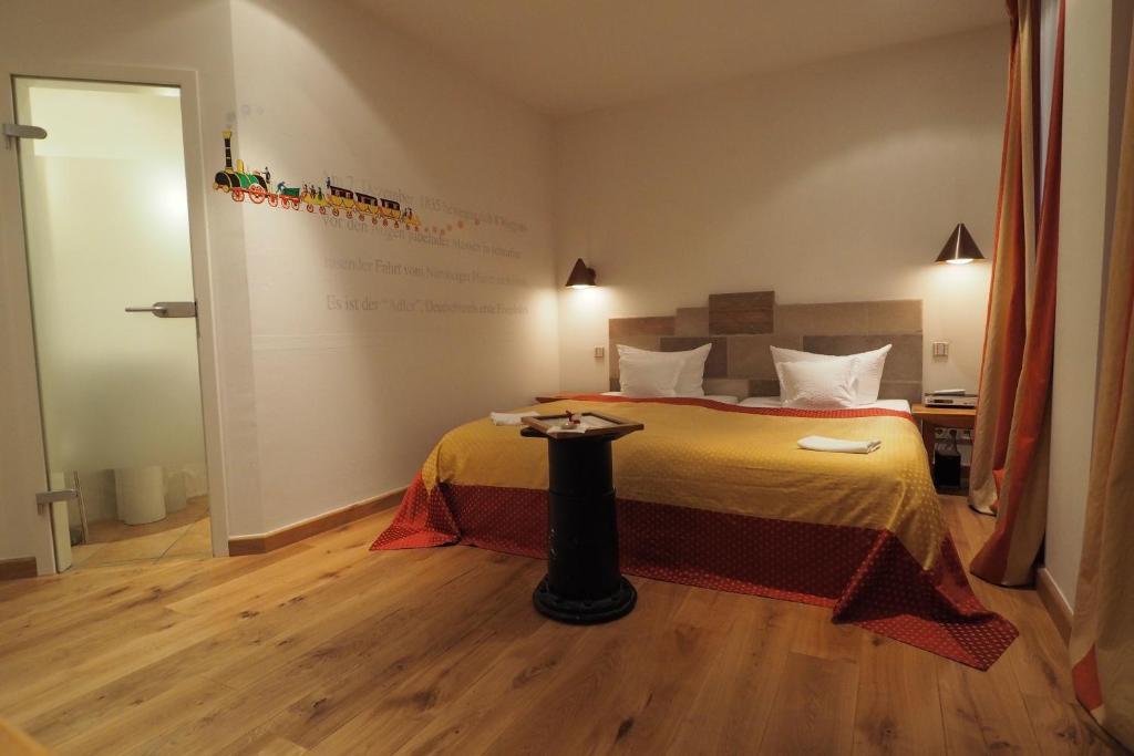hotel drei raben norimberga prenotazione on line viamichelin. Black Bedroom Furniture Sets. Home Design Ideas