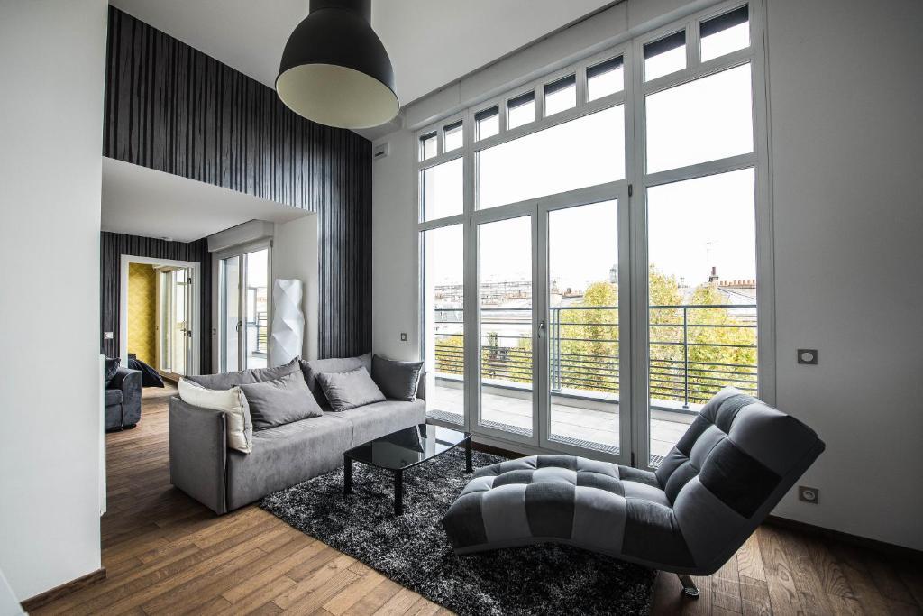 les appartements paris clichy r servation gratuite sur viamichelin. Black Bedroom Furniture Sets. Home Design Ideas