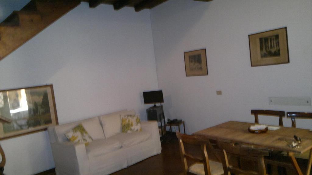 Terme di nerone studio appartamento nei rome lazio italy for Metraggio di appartamento studio