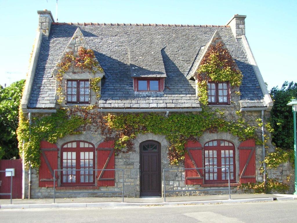 La maison du neuilly le conquet informationen und - La maison du sourcil ...
