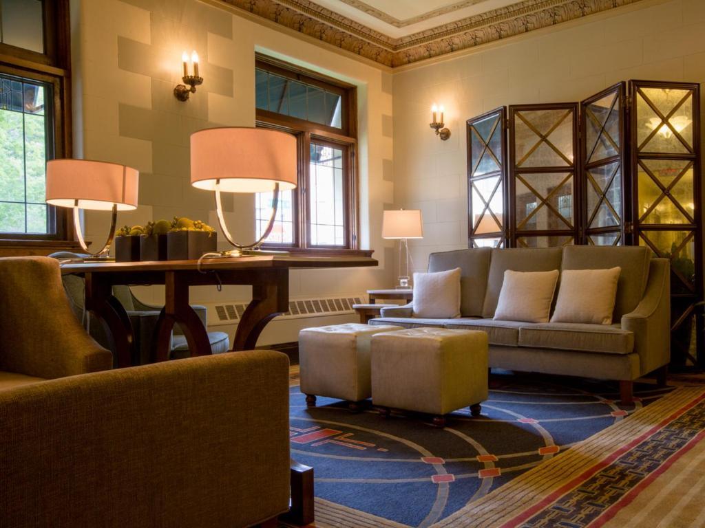 Plaza Hotel - Milwaukee