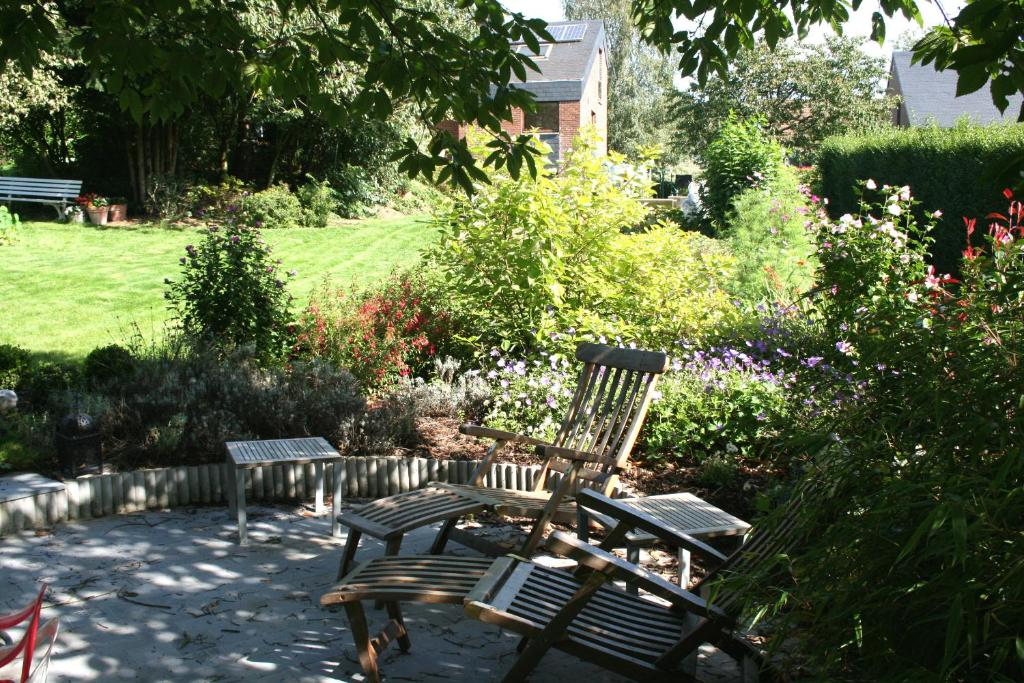 chambre d 39 h tes b b le jardin d 39 epicure chambres d 39 h tes olne. Black Bedroom Furniture Sets. Home Design Ideas