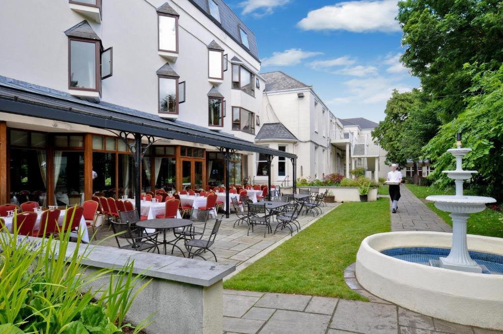 The ardilaun hotel galway online booking viamichelin for Galway hotels with swimming pool