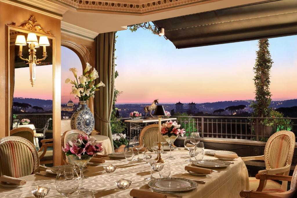 Hotel splendide royal small luxury hotels of the world for Royal palace luxury hotel 00187 roma