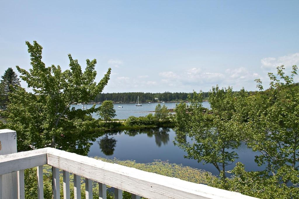 sebasco estates single guys Opened in 1929, sebasco harbor resort is a paragon of the pure maine  from  cozy to luxurious, and our cottages range from one bedroom to 10 bedrooms.