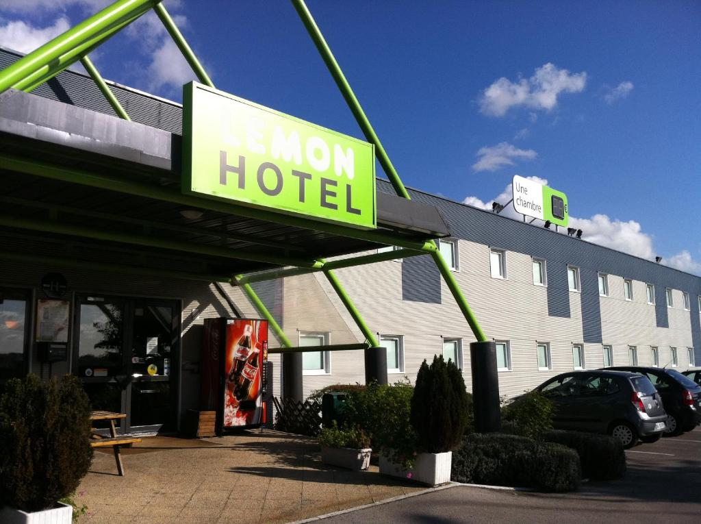 lemon hotel arques arques reserva tu hotel con viamichelin. Black Bedroom Furniture Sets. Home Design Ideas