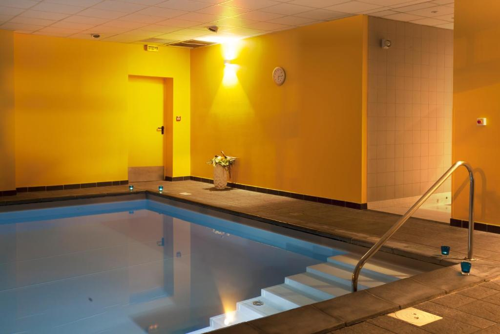 N m a appart 39 hotel toulouse saint martin r servation for Camping toulouse piscine