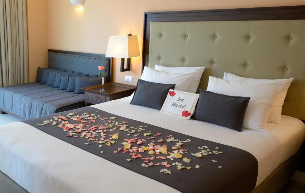 Helona Resort room 4