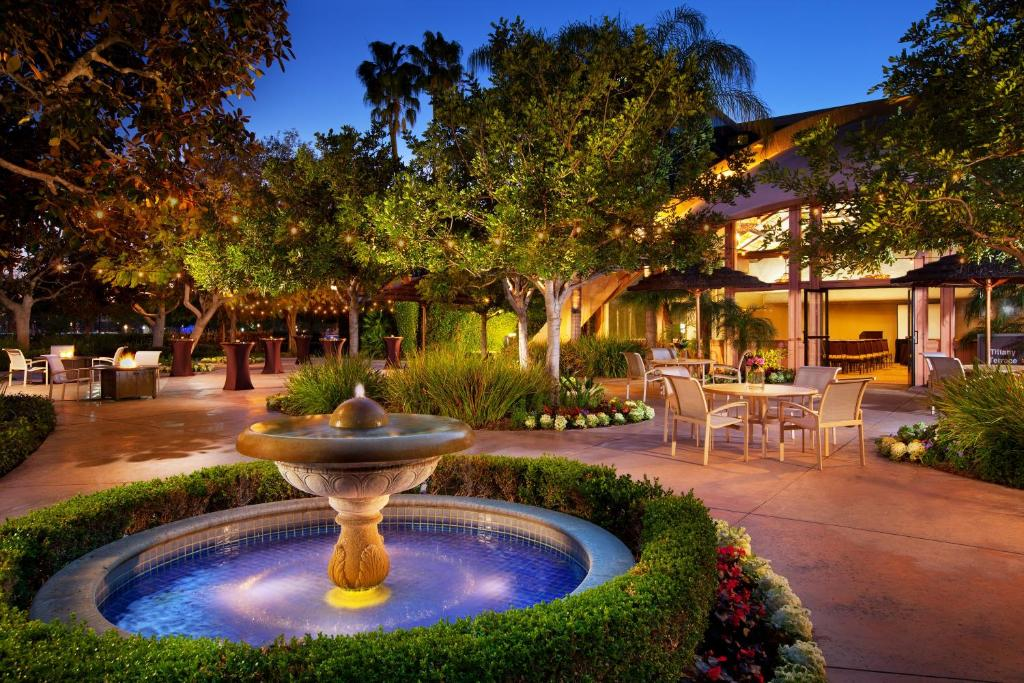 Sheraton Park Hotel At The Anaheim Resort Garden Grove Book Your Hotel With Viamichelin