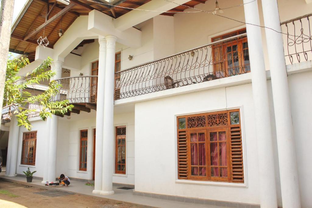 Diamond house r servation gratuite sur viamichelin for Window design photos sri lanka