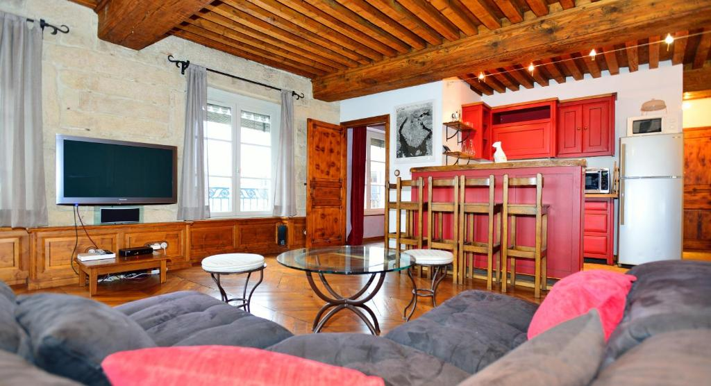 Appartement appart 39 com dia holiday houses lyon for Appart hotel lyon centre