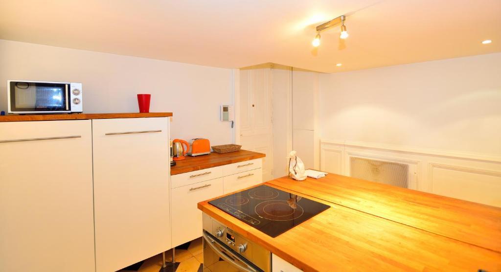 Appartement appart 39 duplat locations de vacances lyon - Ustensiles de cuisine lyon ...