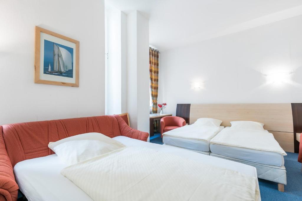bed breakfast pension prenzlberg kamers b b berlin. Black Bedroom Furniture Sets. Home Design Ideas