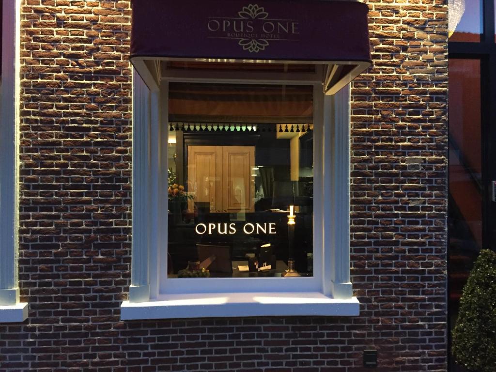 Opus Hotel Parking