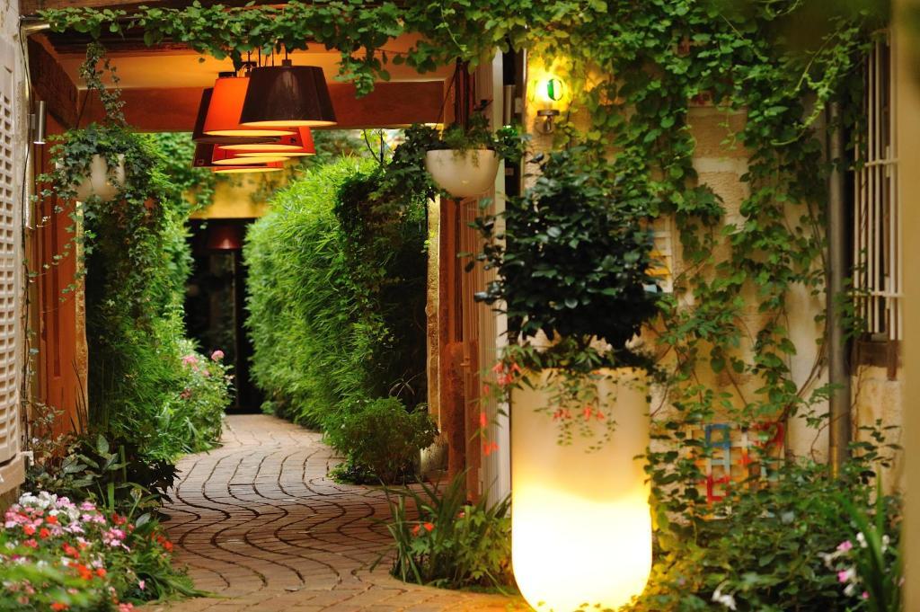 Hotel Vertus France