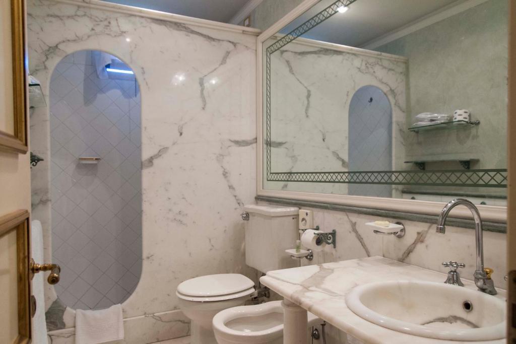Park hotel villa ariston viareggio prenotazione on - Bagno ariston lido di camaiore ...